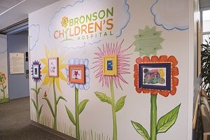 Photo of entryway to Bronson Children Hospital.