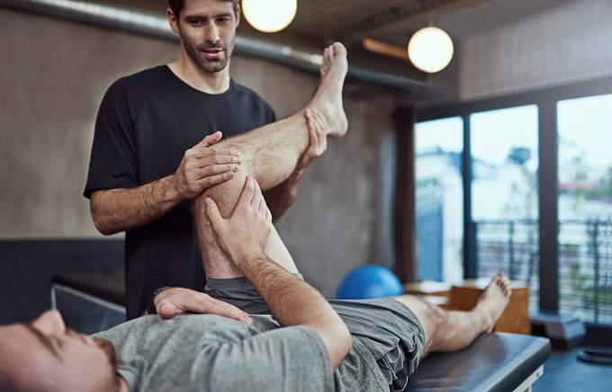 Walk In Sports Injury Clinic Stretching